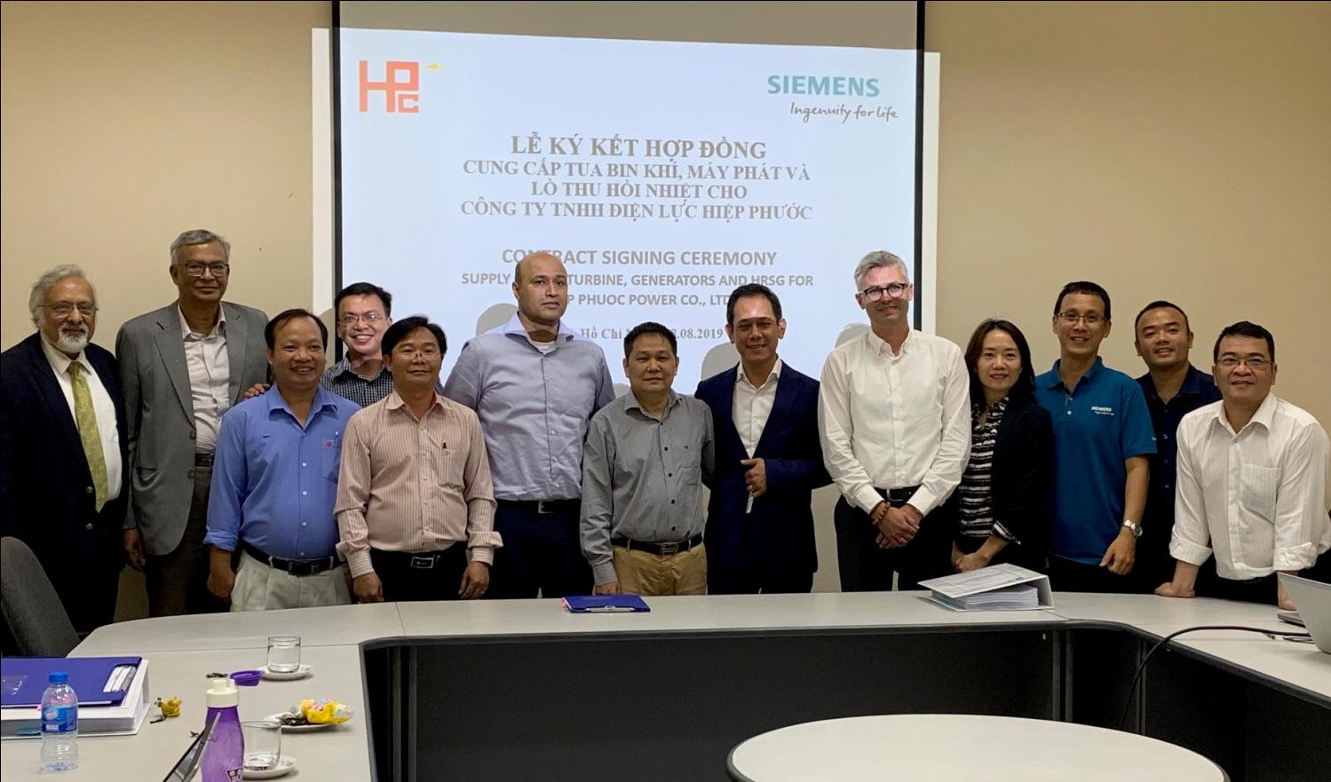 Lễ ký kết hợp tác giữa Siemens và Công ty TNHH Điện lực Hiệp Phước