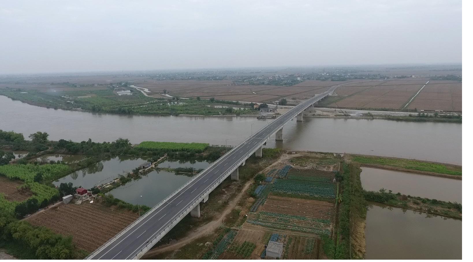Hình 2.Cầu Trà Giang nối hai huyện Kiến Xương và Thái Thụy