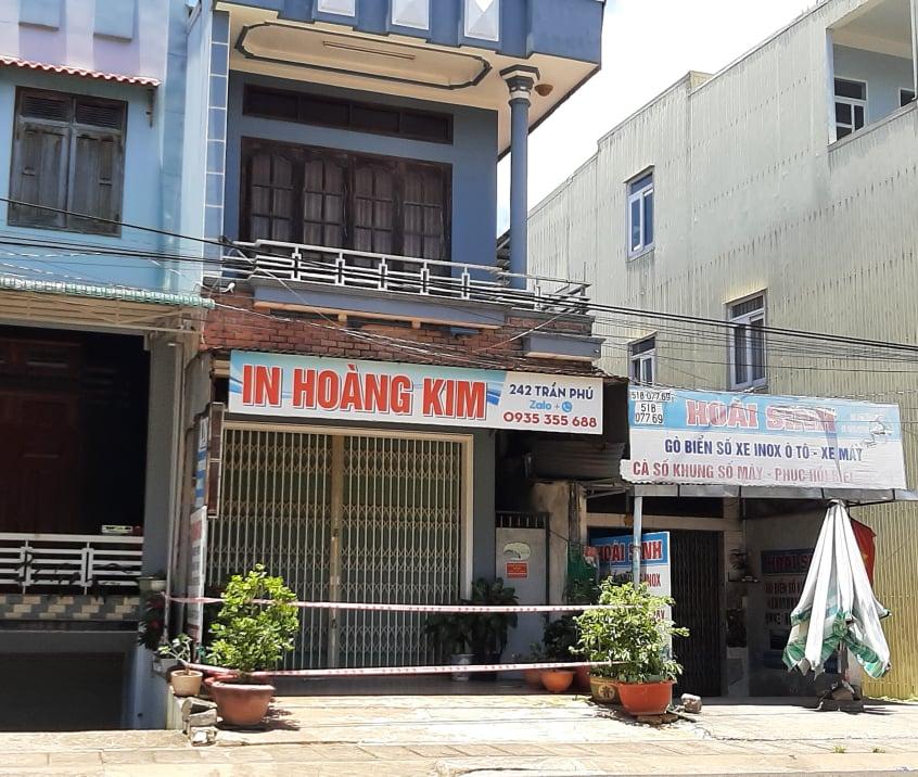 Khoanh vùng tạm thời số nhà 242 Trần Phú, tổ 5, phường Diên Hồng, thành phố Pleiku. Ảnh: Minh Vỹ.