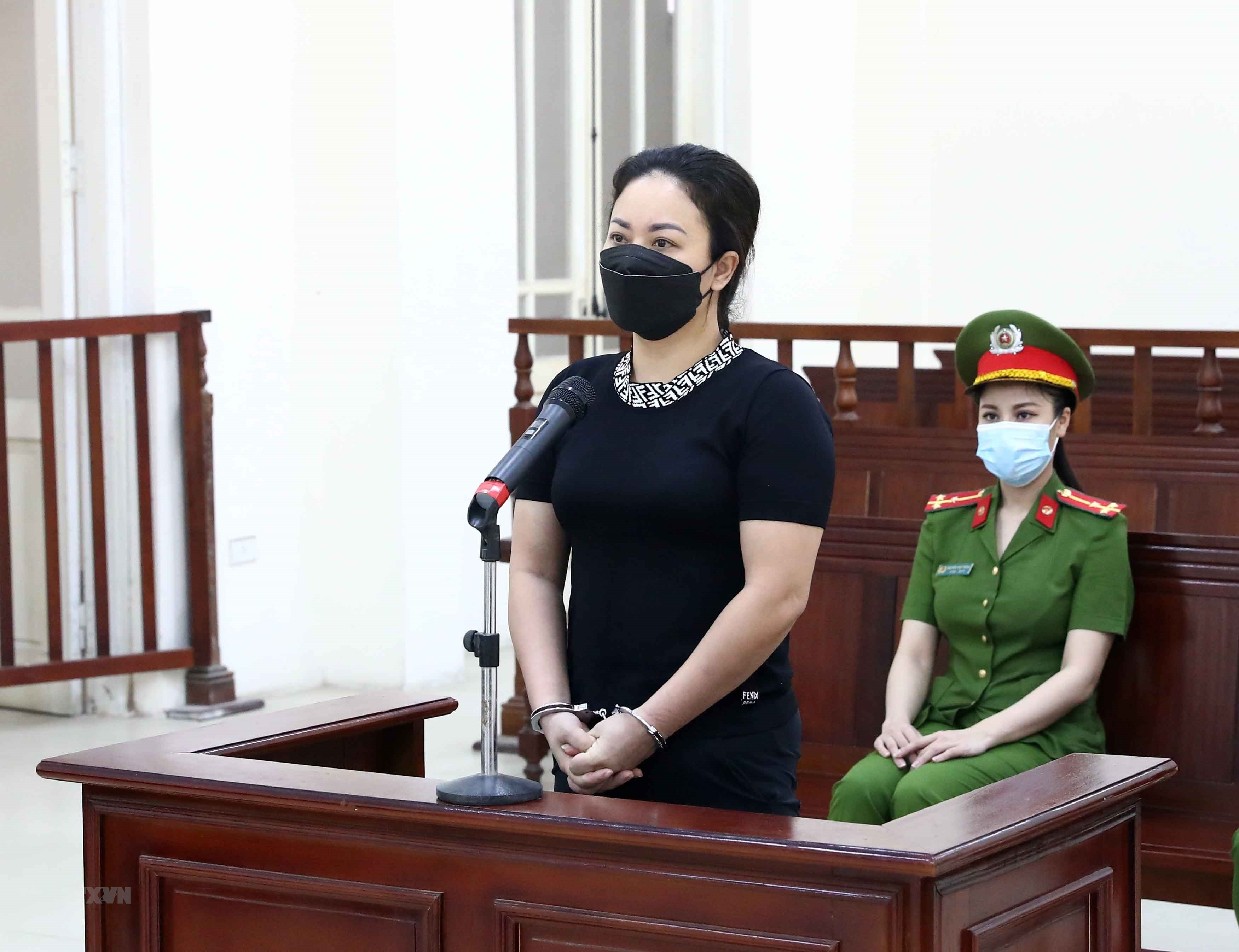 Bị cáo Đỗ Thu Hà - chủ quán Karaoke Linh Dương tại phiên toà.