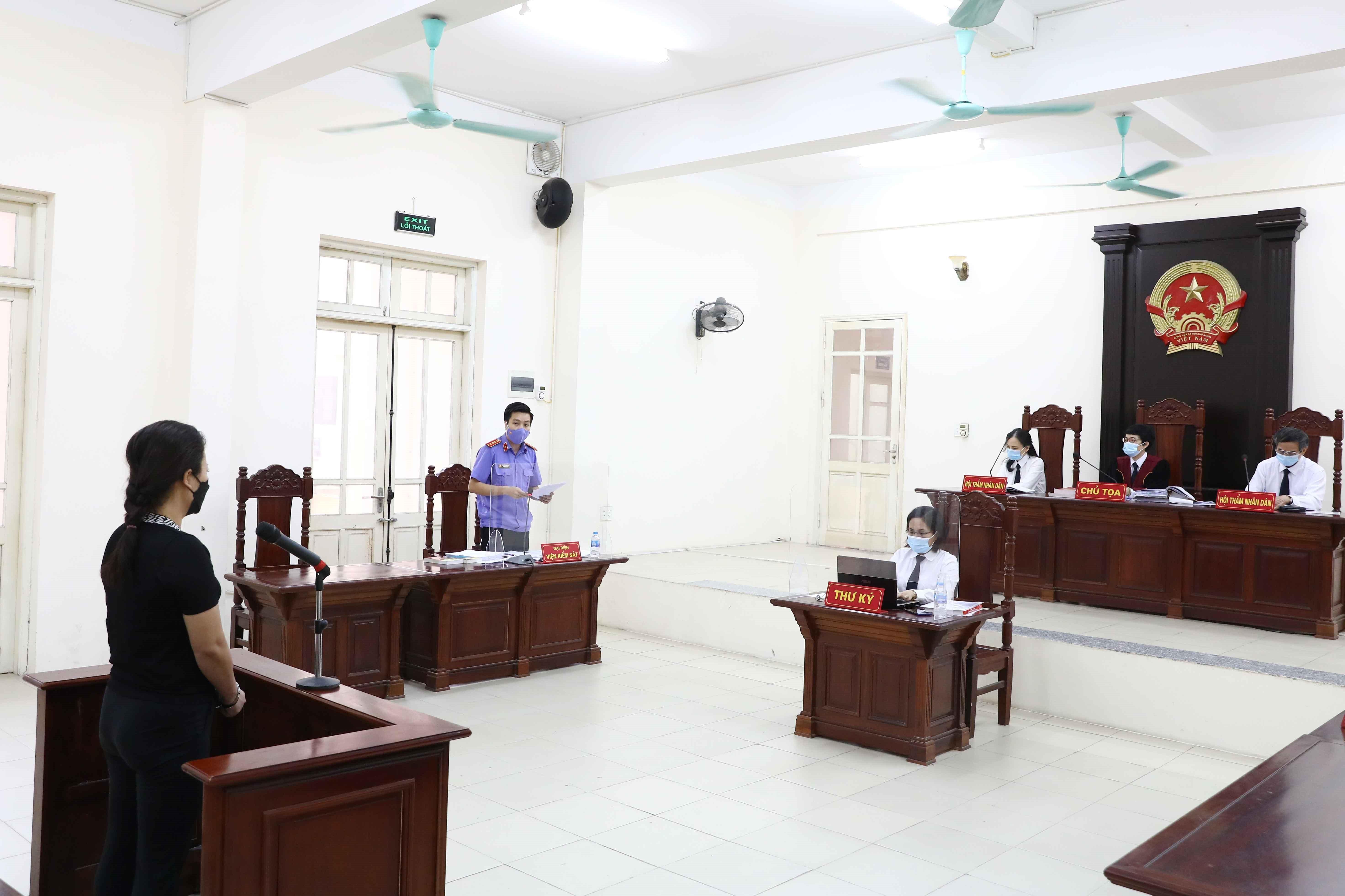 Phiên toà xét xử bị cáo Hà ngày 27/8/2021