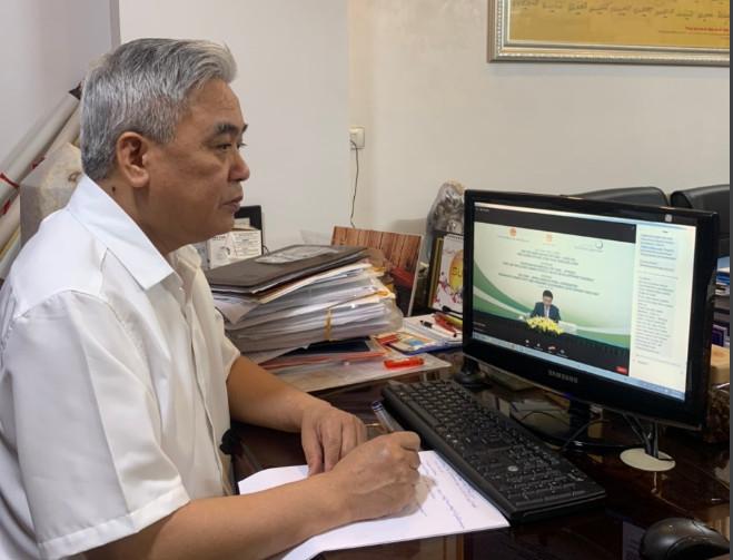 Ông Nguyễn Ngọc Quang - Chủ tịch Hiệp hội doanh nghiệp nhỏ và vừa ngành nghề nông thôn Việt Nam là một trong các đại biểu tham dự hội thảo theo hình thức trực tuyến.