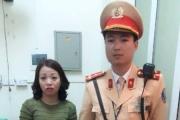 Đội CSGT số 1 CATP Hà Nội: Tìm mẹ cho em bé bị lạc