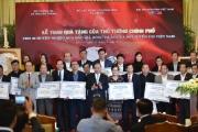Thủ tướng trao kinh phí từ đấu giá bóng, áo của đội tuyển U23 cho 20 huyện nghèo