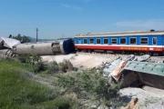 Tai nạn kinh hoàng tại Thanh Hóa: Nhân viên gác xao nhãng, chậm kéo rào chắn đường sắt?