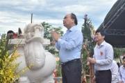 Thủ tướng tham dự lễ Khánh thành Nghĩa trang và Nhà bia liệt sĩ ở Quế Phú