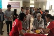 Nhóm cháo thiện nguyện-Chia sẻ thương yêu với bệnh nhân nghèo