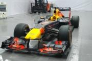 'Soi' chi tiết xe đua F1 triệu USD tại Hà Nội