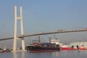 """Logistics Việt Nam: Nỗ lực để không """"lỡ tàu"""""""