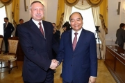 Thủ tướng Nguyễn Xuân Phúc tiếp Quyền Thống đốc Xanh Pê-téc-bua