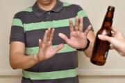 Ép uống rượu, bia: Một loại 'văn hóa' rất thiếu văn hóa