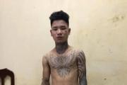 Hà Nội: Bắt thanh niên xăm trổ tông gục trung uý CSGT