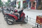 """""""Bát nháo"""" dịch vụ trông giữ xe tại khu đô thị Linh Đàm"""
