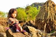H'Mông - Những người sinh ra từ đá