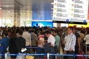 Chưa lên máy bay đã bị tin nhắn taxi… dội bom