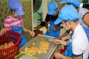 """""""Giữ lửa"""" nghề làm bánh đặc sản tiến vua có từ thế kỉ XVIII"""