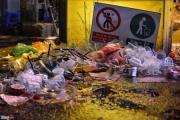 'Biển rác' trên đường phố Hà Nội sau đêm vui Trung thu