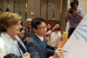 Phó Thủ tướng Vũ Đức Đam ký tuyên bố chung cam kết ủng hộ cải thiện dinh dưỡng cho bà mẹ và ăn bổ sung ở Việt Nam