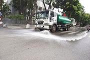 Sau 3 năm dừng, Hà Nội cho phép rửa đường trở lại