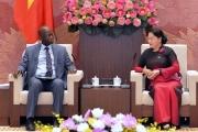 Chủ tịch Quốc hội Nguyễn Thị Kim Ngân tiếp Giám đốc quốc gia WB tại Việt Nam U.Ði-ôn