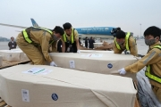 16 trong 39 thi thể vụ xe container ở Anh đã về tới sân bay Nội Bài