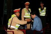 141QB xử phạt 35 triệu, tước bằng lái xe 23 tháng một phó Phòng giáo dục
