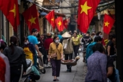 """Báo nước ngoài ca ngợi mô hình chống Covid-19 và phản ứng trước dịch bệnh """"ấn tượng"""" của Việt Nam"""