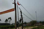 Hà Tĩnh: Nhếch nhác trên tuyến đường vào một xã ở miền núi