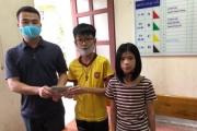 Bộ GD&ĐT tặng bằng khen học sinh trả lại 50 triệu đồng cho người đánh rơi