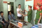 Quảng Bình: Nhân dân tự giác giao nộp nhiều loại vũ khí nguy hiểm cho lực lượng công an
