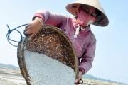 Quảng Ngãi: Trăn trở thương hiệu muối Sa Huỳnh