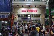 Hà Nội: Xếp hàng mua bánh trung thu truyền thống Bảo Phương như thời bao cấp