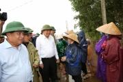 Phó Thủ tướng Thường trực kiểm tra khắc phục mưa lũ và thăm hỏi nhân dân Quảng Trị