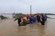 Khẩn trương triển khai các giải pháp khắc phục hậu quả mưa lũ