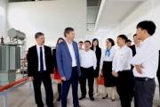 Tổng Giám đốc EVN Trần Đình Nhân và lãnh đạo Tổng công ty Điện lực miền Bắc thăm và làm việc tại trường Cao đẳng Điện lực miền Bắc