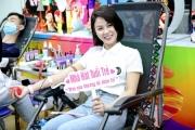 """Đông đảo các nghệ sĩ Việt tham gia hiến máu với thông điệp ý nghĩa """"Trao yêu thương để nhận lại"""""""