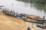 Hưng Yên: Nở rộ tình trạng kinh doanh cát không phép