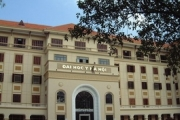 'Quảng cáo' 3 bằng chỉ phát 1 bằng: Đại học Y Hà Nội có 'lừa' bác sĩ nội trú?