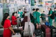 Hàng không Vietjet tiếp tục vận chuyển y bác sĩ hỗ trợ cho các địa phương chống dịch