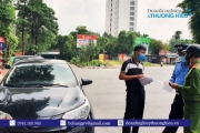 """Hà Nội: Phát hiện một xe """"cam kết"""" chở khách từ Hà Nội đi các tỉnh với giá cao vi phạm quy định về công tác phòng chống dịch Covid - 19"""