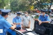 """Hà Nội: Xử lý vi phạm xe ô tô nhận chở khách """"chui"""" trong mùa dịch"""