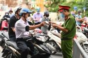 Kiểm tra giấy đi đường không phải để phạt mà vì sự an toàn của Nhân dân