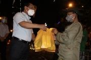 Bộ LĐTB&XH hướng dẫn các địa phương giãn cách hỗ trợ khẩn cấp cho người dân