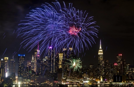 Thế giới tưng bừng chào đón năm mới Mậu Tuất 2018