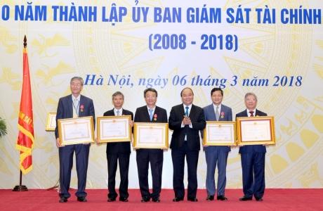 Thủ tướng dự lễ kỷ niệm 10 năm thành lập Ủy ban Giám sát tài chính quốc gia