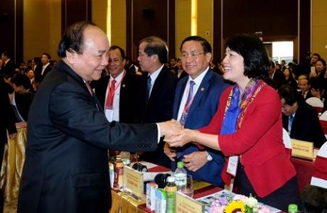 Thủ tướng dự Hội nghị gặp mặt các nhà đầu tư của tỉnh Nghệ An