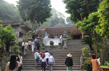 Nâng cao giá trị sản phẩm du lịch khu thắng cảnh Hương Sơn
