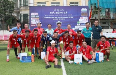Báo Giáo dục và Thời đại giành chức vô địch giải bóng đá