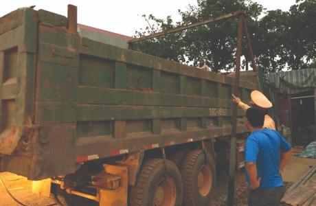 Cảnh sát giao thông Bắc Giang: Tăng cường kiểm soát  xe quá khổ, quá tải