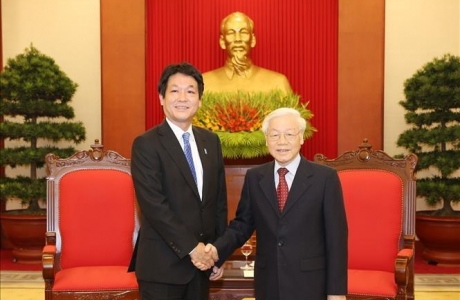 Tổng Bí thư, Chủ tịch nước Nguyễn Phú Trọng tiếp Đặc phái viên của Thủ tướng Nhật Bản